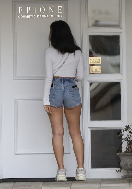 Cindy Kimberly Leggy in Jeans Shorts - Out in LA 04/03/2019