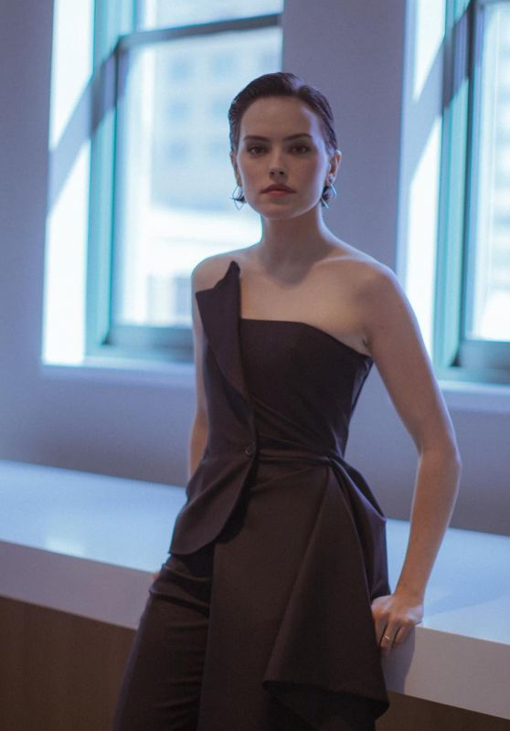 Daisy Ridley - Star Wars Celebration 2019 Portrait