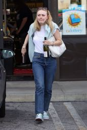 Dakota Fanning Casual Style - Toluca Lake 04/03/2019