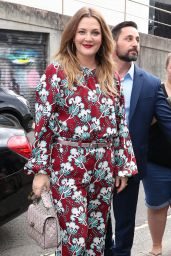 Drew Barrymore - Arriving at Her Flower Beauty Event in Sydney