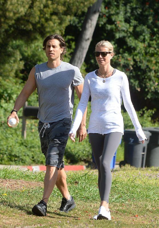 Gwyneth Paltrow and Brad Falchuk on a Hike in LA 04/09/2019