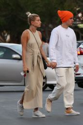 Hailey Rhode Bieber and Justin Bieber - Play-Fighting During Date Night at The Mall 03/30/2019