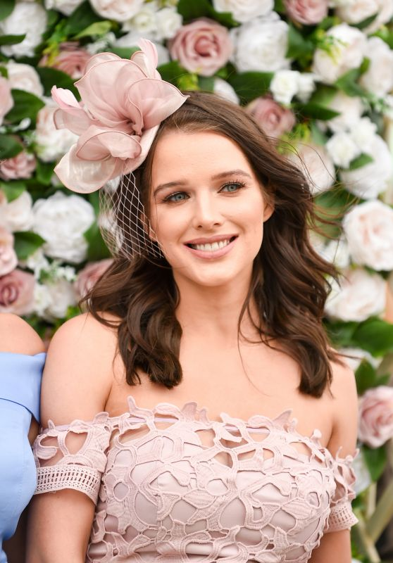 Helen Flanagan - Aintree Ladies Day at Aintree Racecourse in Liverpool 04/05/2019