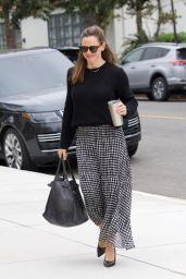 Jennifer Garner - Arriving at Church in Pacific Palisades 04/28/2019