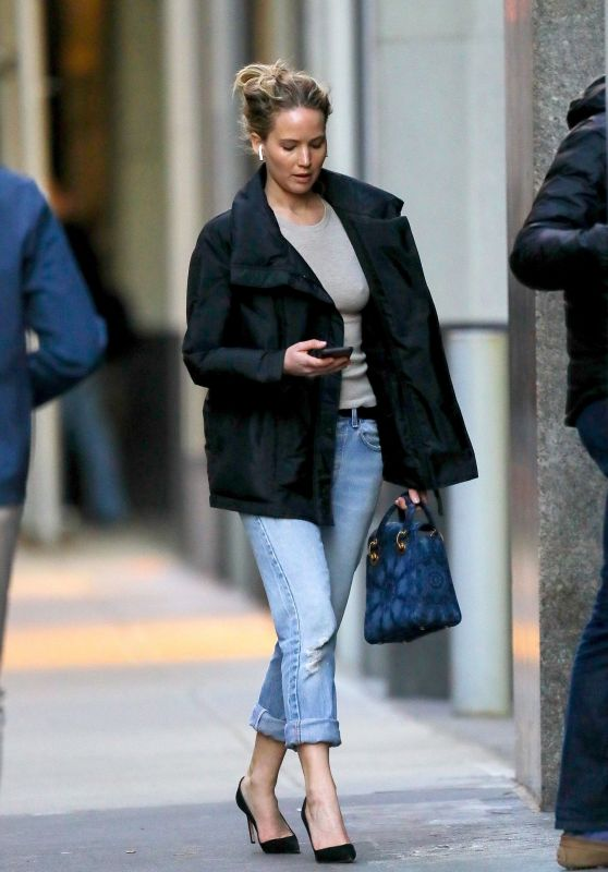 Jennifer Lawrence - Out in NYC 04/12/2019