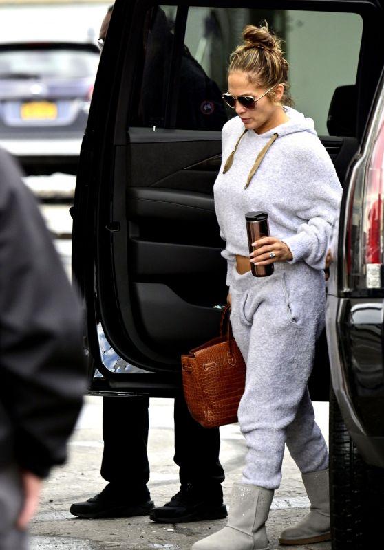 """Jennifer Lopez - Filming """"Hustlers"""" in NYC 04/15/2019"""