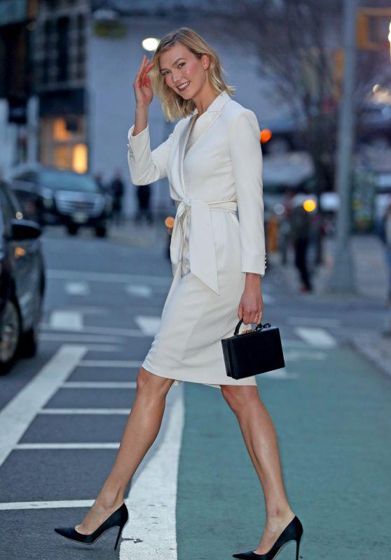 Karlie Kloss Style - Manhattan, New York 04/11/2019