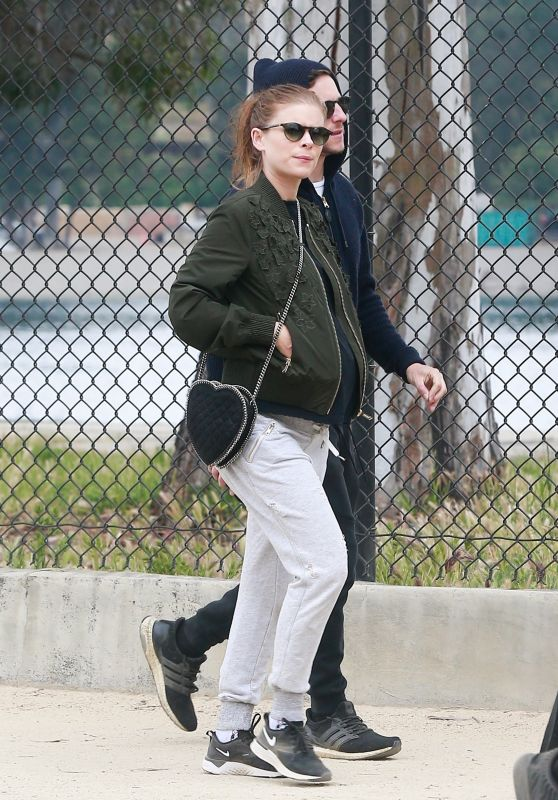 Kate Mara and Jamie Bell - Weekend Hike in Silver Lake 04/20/2019