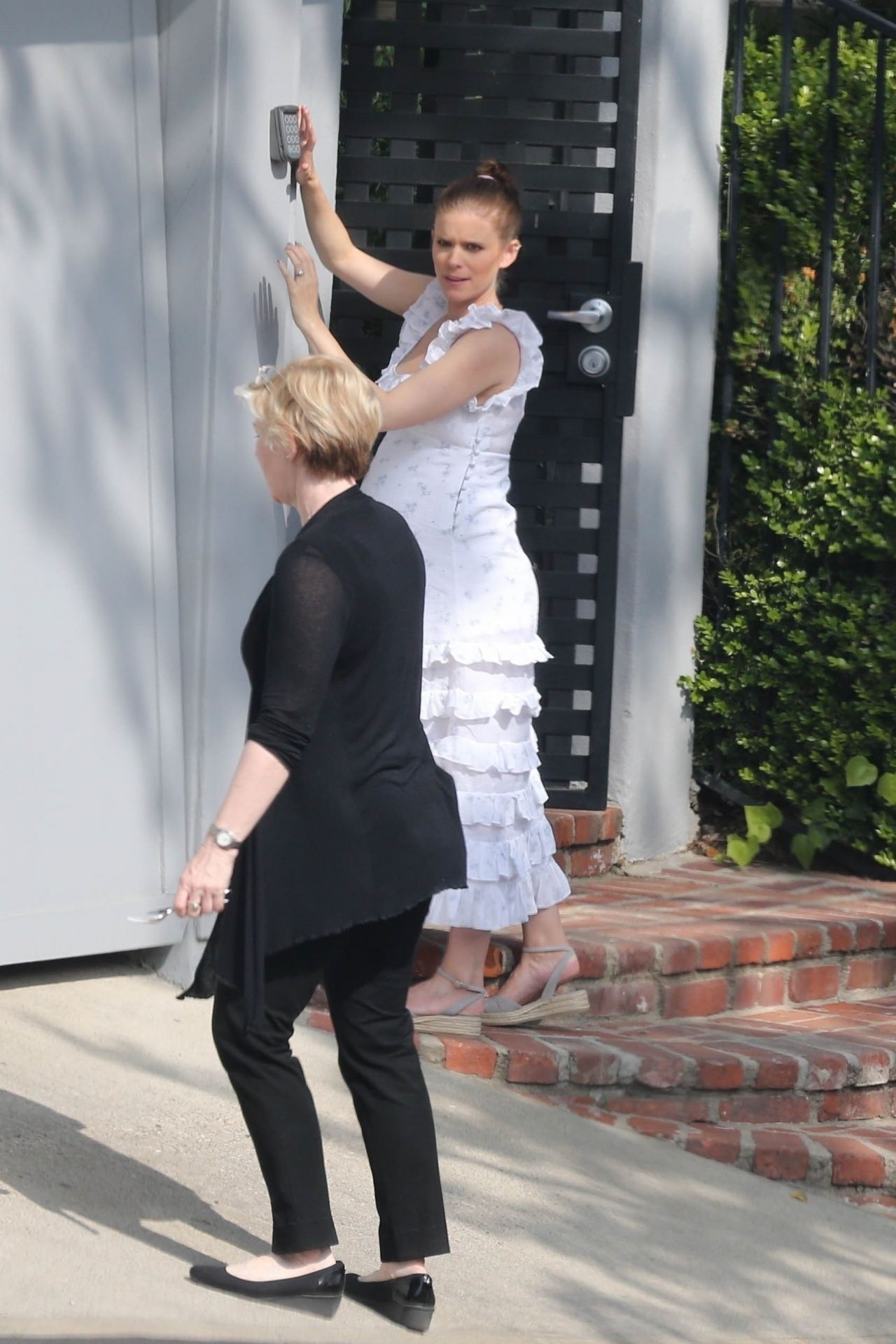 Kate Mara Celebrates Her Baby Shower In Los Angeles 04