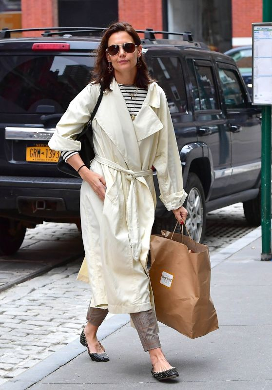 Katie Holmes - Out in NYC 04/18/2019