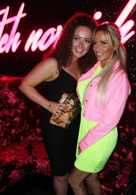 Katie Price - Meeting and Greeting Fans at the Fetch Gay Club in Norwich 04/20/2019