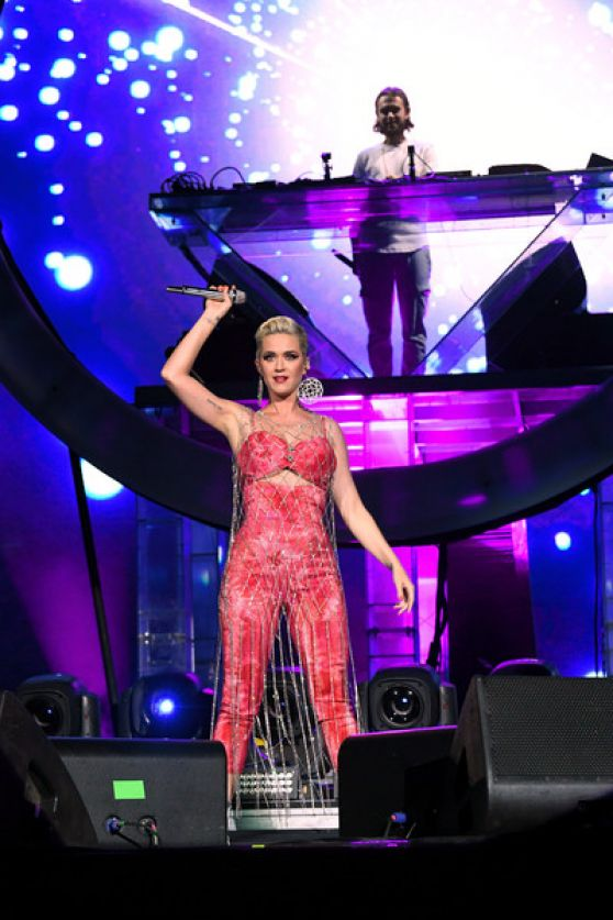 Katy Perry Performs At The Coachella In Indio 04 14 2019