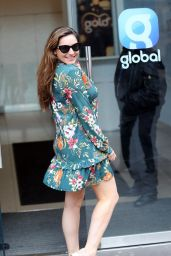 Kelly Brook Chic in a Feminine Floral Minidress 04/01/2019