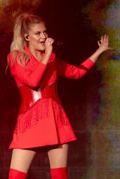 Kelsea Ballerini - Performs Live in Knoxville 04/18/2019