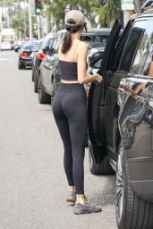 Kendall Jenner in Tights - Cheesecake Factory in Beverly Hills 04/19/2019