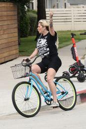 Kesha Bike Ride - Venice Beach 04/29/2019