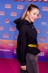 "Kim Gloss - ""Willkommen im Wunder Park"" Premiere in Berlin"
