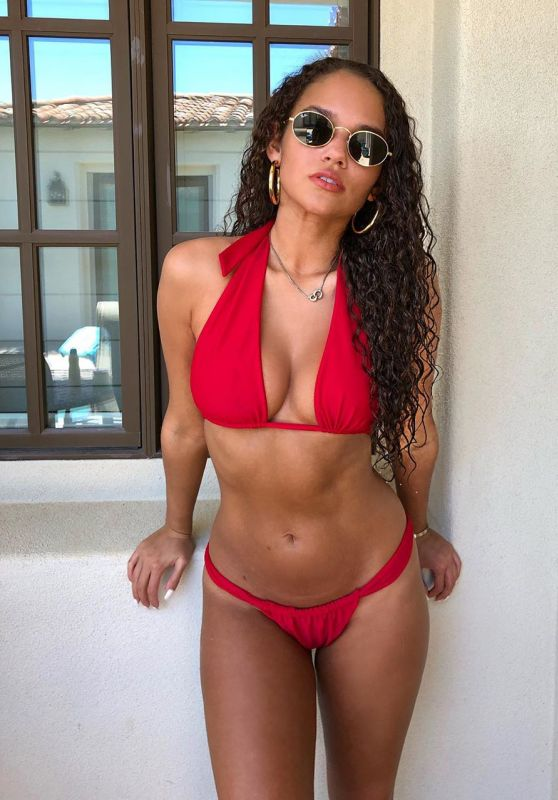 Madison Pettis - Personal Pics and Videos 04/12/2019