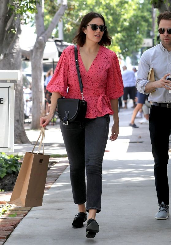 Mandy Moore in Casual Attire - Shopping in LA 04/18/2019