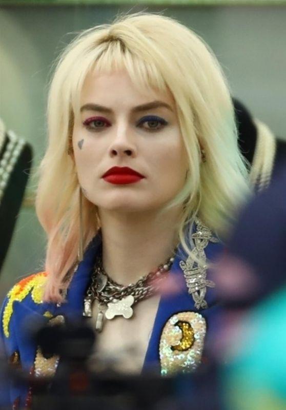 "Margot Robbie - Filming ""Birds of Prey"" 04/05/2019"