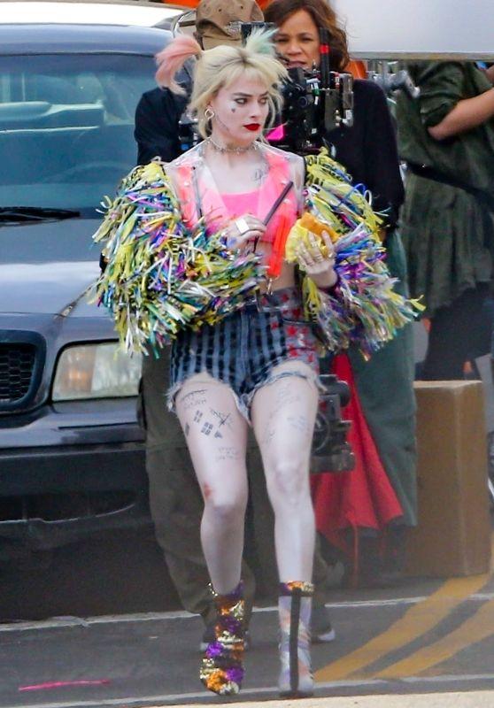"""Margot Robbie - On the Set of """"Birds of Prey"""" in LA 04/09/2019"""