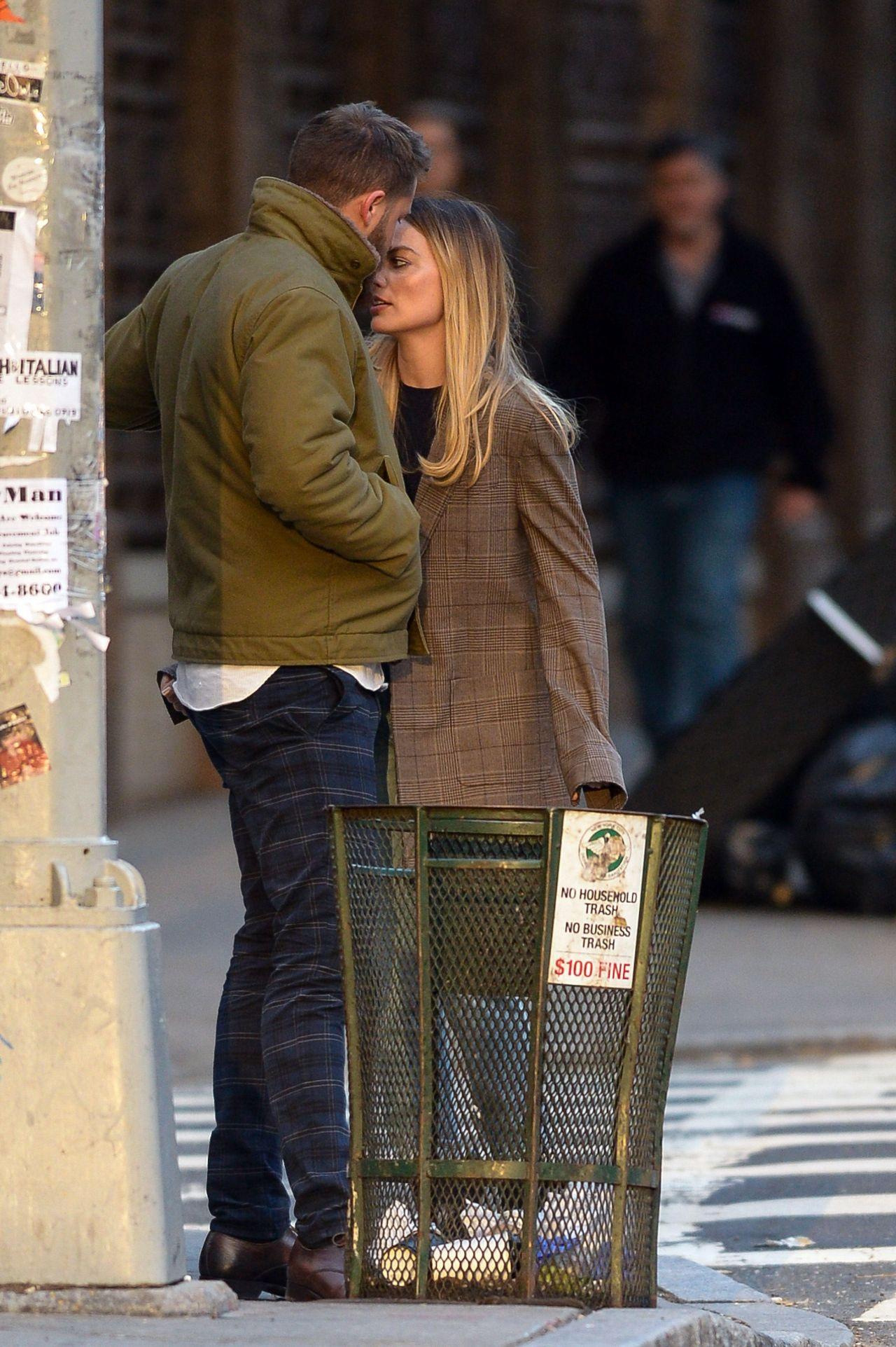 Margot Robbie With Her Husband - New York 04282019-3425
