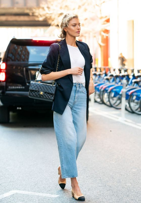 Martha Hunt Street Fashion 04/03/2019