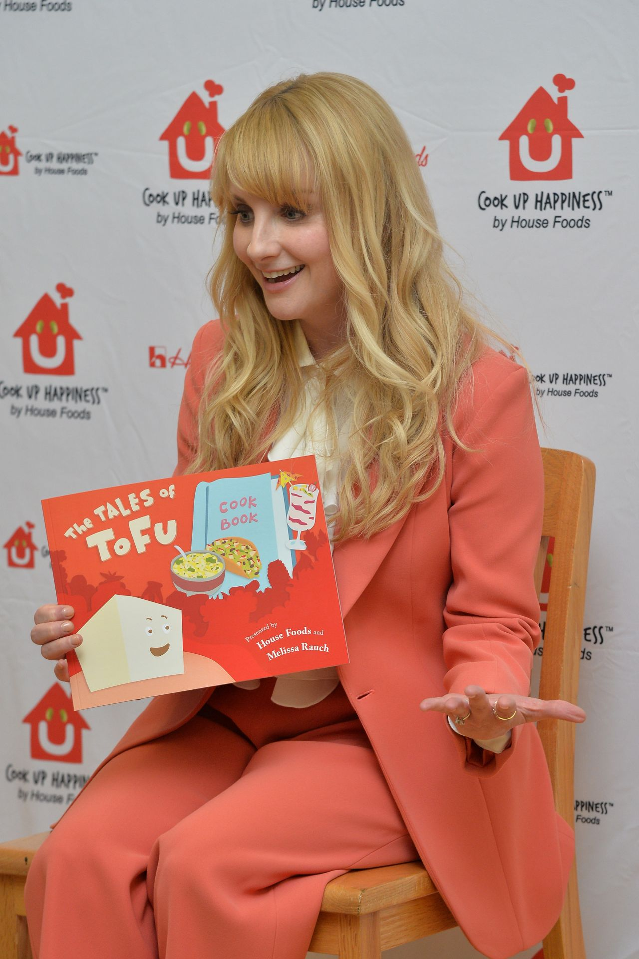 Melissa Rauch The Tales Of ToFu Book Event In NYC 04