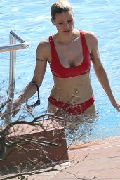 Michelle Hunziker in Bikini on Lake Garda in Gargnano 03/31/2019