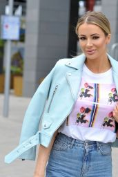 Olivia Attwood - Arrives at Menagerie Bar and Restaurant in Manchester 04/14/2019