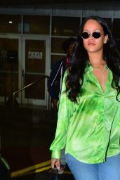Rihanna - Out in New York 04/15/2019