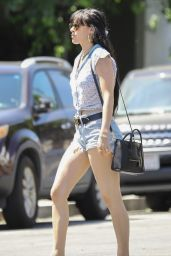 Rumer Willis Leggy in Jeans Shorts 04/10/2019