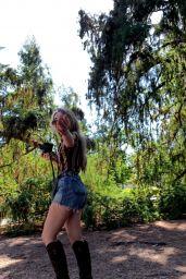 Sabrina Carpenter - Personal Pics 04/15/2019