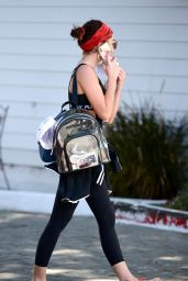 Sarah Hyland in Gym Ready Outfit - LA 04/10/2019