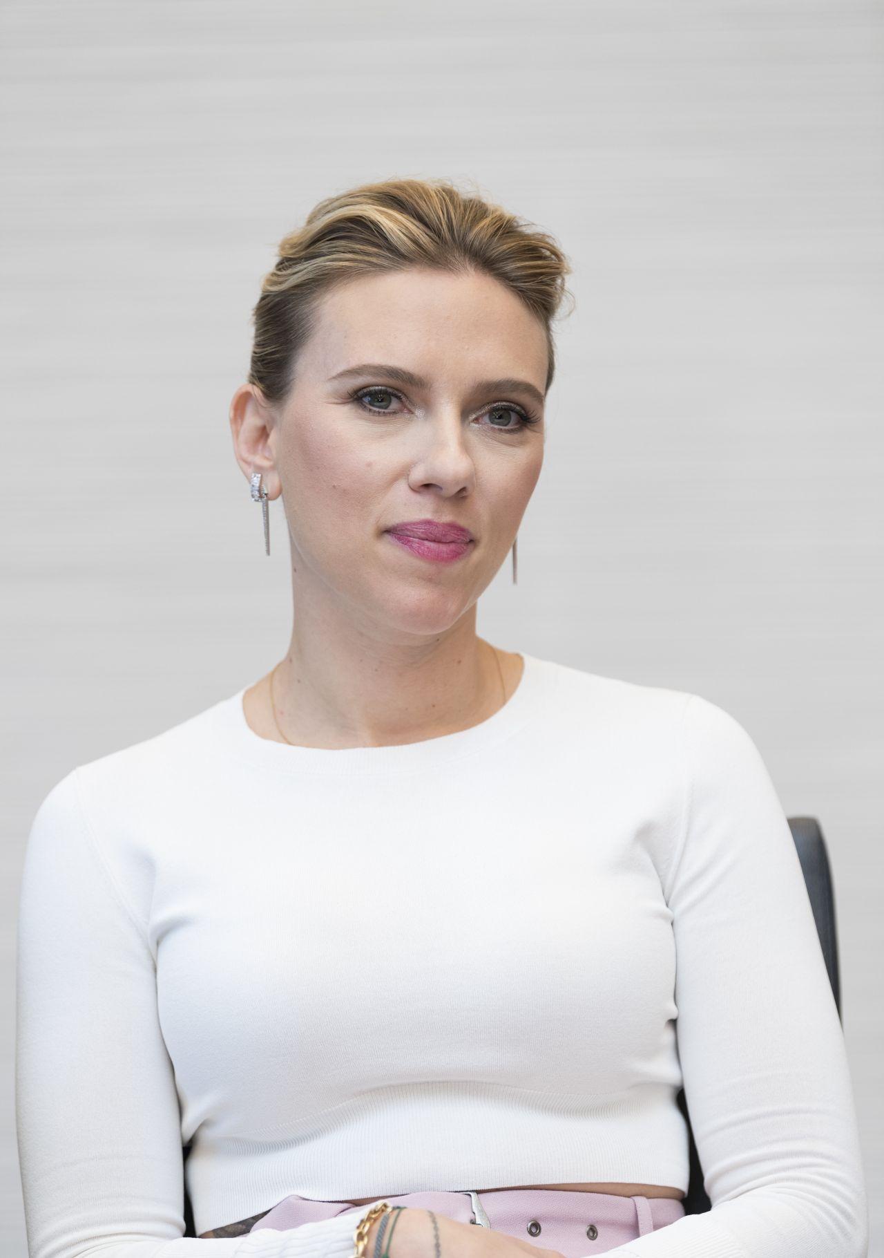 "Scarlett Johansson - ""Avengers: Endgame"" Press Conference ... скарлетт йоханссон"