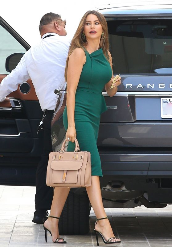 Sofia Vergara is Looking All Stylish - Shopping in Los Angeles 04/25/2019
