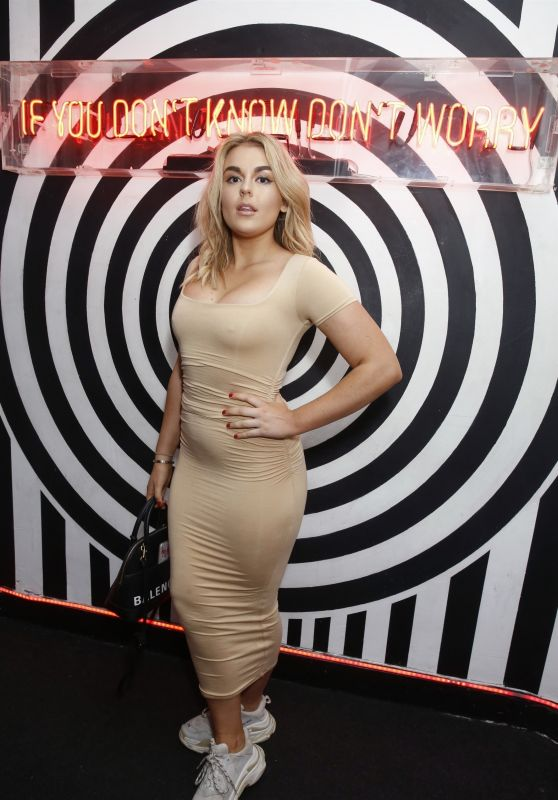 Tallia Storm - Kiss and Nails Launch in London