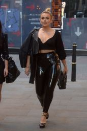 Tallia Storm Style - Carnaby Street in London 04/25/2019