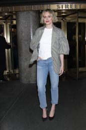 Taylor Schilling - Leaving NY Live in NYC 04/17/2019