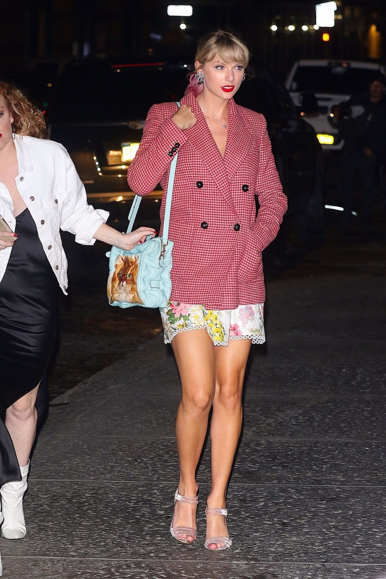 Taylor Swift - Returns Home From Gigi Hadid's Birthday in ...