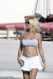 Victoria Silvstedt on the Beach in St Barths 04/01/2019