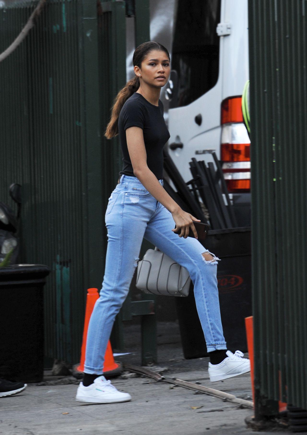 Zendaya Boyfriend Relationship Status Is Zendaya Coleman Single