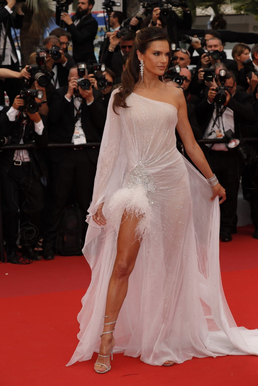 Alessandra Ambrosio – 2019 Cannes Film Festival Opening