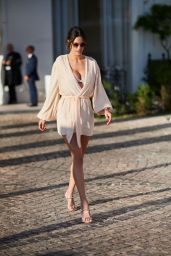 Alessandra Ambrosio on the Croisette in Cannes 05/15/2019