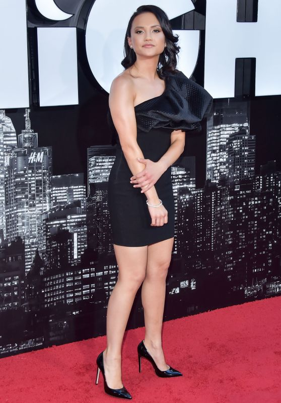 "Amanda Grace Benitez – ""Late Night"" Premiere in LA"