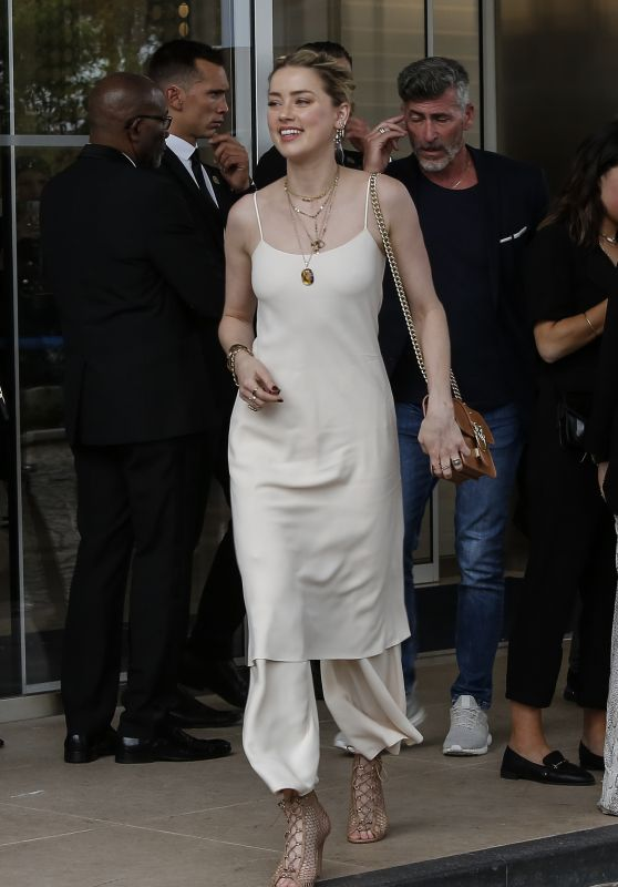 Amber Heard - Arrives at Her Hotel in Cannes 05/14/2019