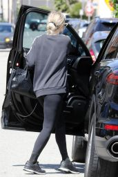 Ashlee Simpson in Tights - Leaving the Gym in LA 05/22/2019