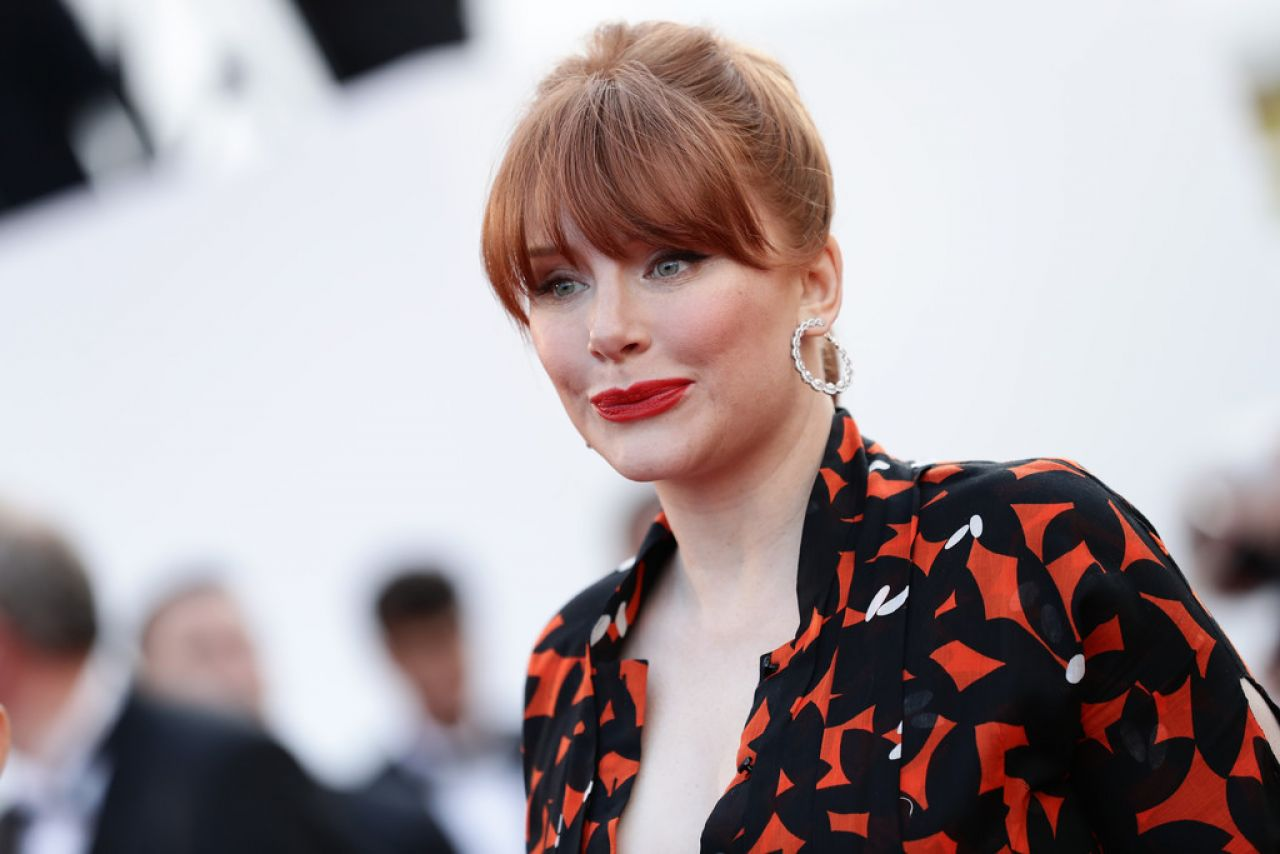https://celebmafia.com/wp-content/uploads/2019/05/bryce-dallas-howard-rocketman-red-carpet-at-cannes-film-festival-0.jpg