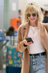 Carey Mulligan - Arrives at JFK Airport in NYC 05/05/2019