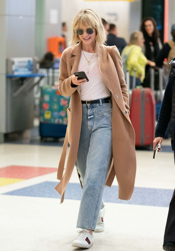 Carey Mulligan Travel Style 05/05/2019